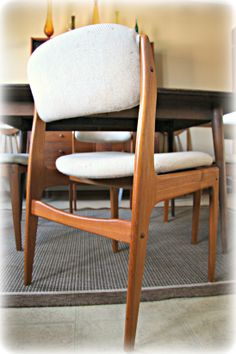 Superbe 4 Vintage Mid Century Modern Danish Teak Dining Chairs. Style Designed By  Benny Linden.