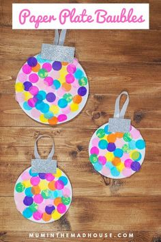 Paper Plate Baubles - Giant Christmas Decorations - These paper plate baubles are simple, mess-free and perfect for younger children, plus they look amazing. Can you imagine a giant tree with these on perhaps in a classroom?
