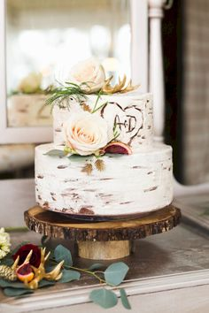 36 Rustic Wedding Cakes We Love These rustic wedding cakes with flowers, greenery, and fall fruit atop rustic wooden cake stands are the perfect finish to a barn wedding reception or fall wedding. Small Wedding Cakes, Themed Wedding Cakes, Wedding Cake Rustic, Wedding Cakes With Flowers, Woodland Wedding, Chic Wedding, Fall Wedding, Trendy Wedding, 2017 Wedding