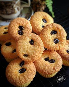 RESEP BOLU KELAPA. Dari Bahan Seadanya, Jadi Sajian Istimewa - Resep Spesial Bolu Cake, Resep Cake, Cake Cookies, Doughnut, Muffins, Deserts, Food And Drink, Cooking Recipes, Ice Cream