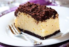 Holiday Cheesecake Squares - Half Hour Meals - Recipes For Your Lifestyle! Best Christmas Desserts, Christmas Cooking, Holiday Recipes, Great Desserts, Delicious Desserts, Dessert Recipes, Yummy Food, Cheesecake Day, Cheesecake Recipes