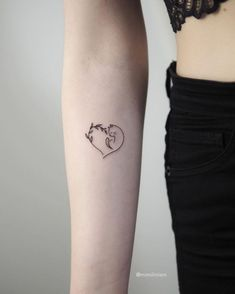 60 Tiny Tattoos That Demand Your Attention - Page 6 of 6 - Tattoo Style Tiny Tattoos For Girls, Small Tattoos, Tattoos For Women, Cool Tattoos, Pretty Tattoos, Awesome Tattoos, Mini Tattoos, Body Art Tattoos, Tattoo Art