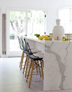 Island Marble Waterfall Countertop - Design photos, ideas and inspiration. Amazing gallery of interior design and decorating ideas of Island Marble Waterfall Countertop in closets, kitchens by elite interior designers. Kitchen Interior, New Kitchen, Kitchen Decor, Kitchen White, Kitchen Stools, Marble Interior, Kitchen Ideas, Interior Modern, Design Kitchen