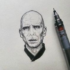 Voldemort Voldemort ooo voldy voldy voldy Voldemort • • • #harrypotter #voldemort #hp #lordvoldemort #tomriddle #pencilart #pencildrawing #graphitedrawing #drawing #illustration #sketch #sketchbook #portrait #traditionalart #micronart #art #myart #draw #micron #lineart #mixedmedia #penandink