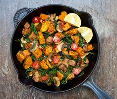 Warm Sweet Potato, Mushroom and Spinach Salad (Serves 2)  - 1 large sweet potato (orange) - a dozen chestnut mushrooms - 2 bowls of (cooked) spinach - 2 jalenpeno peppers - a dozen cherry tomatoes - apple cider vinegar - cinnamon - paprika - salt - olive oil