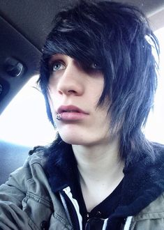 Johnnie Guilbert is one of the nicest people I've ever met :D and im glad that i got the chance to meet him and tell him how he has changed my veiw on life ❤️