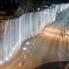 Swarovski recently completed this spectacular veil that lines the street outside an indoor theme park called Swarovski Kristallwelten (Crystal Worlds) at the site of its original factory. Urban Landscape, Landscape Design, Landscape Architecture, Architecture Design, Light Architecture, Design Studio, Studio Art, Set Design, Urban Furniture
