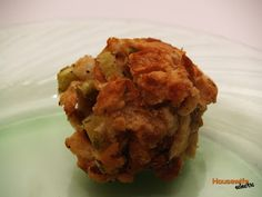 Take a break from traditional stuffing by forming it into balls. These portion-sized stuffing balls are cooked in a crockpot and great for entertaining. Gourmet Recipes, Crockpot Recipes, Cooker Recipes, Crockpot Stuffing, Homemade Curry, No Bake Snacks, World Recipes, Stick Of Butter, Clean Eating Snacks