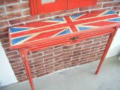 """Mueble consola modelo : """"British"""" realizado y pintado a mano. página web, http://tumuebleconsolajvg.webs.tl"""