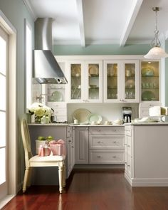 Open shelves that go to the counter top - Martha Stewart Cabinets - Skylands Kitchen