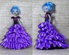 Main de vêtements haute monstre faite robe, Monster High violet, robe de bal costume, Monster High Fashion, Monster Doll, bleu marine,