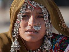 acac0693af3bc990ef06b9649bbf4d2b--beautiful-people-ethnic-jewelry.jpg (735×552)