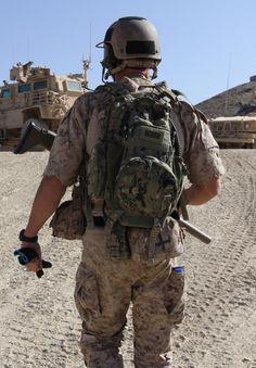 Navy SEAL with AOR1 Patagonia combat pants 5843bc9c09e