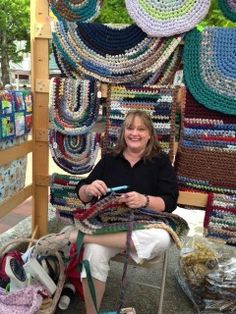 Posts about rag rugs written by audreydemmitt Toothbrush Rug, Rag Rugs, Craft Displays, Display Ideas, Handmade Rugs, Weaving, Posts, Wool, Amish
