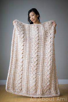 With the coming holiday gifting season, people are getting buried in requests for a knit stockinette throw made in roving. It's going viral and lots of crocheters have been asking about it, very saddened to discover that it's knit instead of crochet. You've seen them, right?