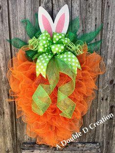 deco mesh wreaths Easy DIY Easter Wreaths for Front Door Spring Wreaths For Front Door Diy, Holiday Wreaths, Holiday Crafts, Easter Wreaths Diy, Easter Projects, Easter Crafts, Easter Decor, Wreath Crafts, Diy Wreath