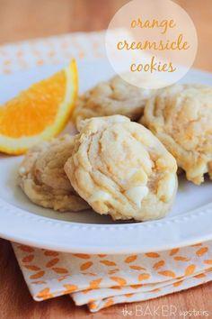 the baker upstairs: orange creamsicle cookies Orange creamsicle cookies from The Baker Upstairs. These cookies taste just like a creamsicle and are so easy to make! Brownie Cookies, Cookies Receta, Crinkle Cookies, Yummy Cookies, Yummy Treats, Sweet Treats, Cream Cookies, Orange Cookies, Drop Cookies