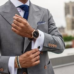 Men's Rose Gold cased Brown leather watch from MVMT Watches. This Brown leather version is a versatile watch, fitting in casual, formal and professional setting Der Gentleman, Gentleman Style, Sharp Dressed Man, Well Dressed, Moda Formal, Grown Man, Suit And Tie, Classic Man, Mens Suits