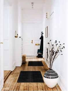 hallway inspiration, wooden floors and white walls Decor, House Styles, House Design, Sweet Home, Home And Living, Flooring, Home Decor, House Interior, Home Deco