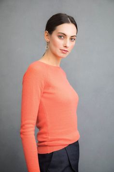 Boat neck gauzy cashmere sweater in apricot