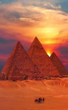 expression-venusia:      Egyptian Pyramids Sunset Expression