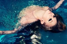 NATALIE DORMER TAKES A DIP FOR STYLIST, TALKS 'GAME OF THRONES' AGE DIFFERENCE