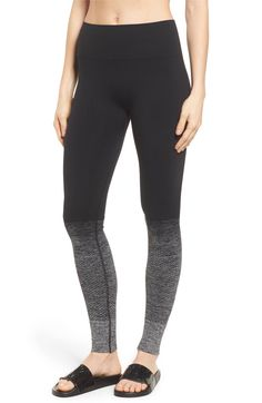 Main Image - IVY PARK® Gradient Seamless Ankle Leggings