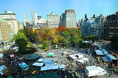 union square new york   ... intersection at Union Square Park on market day, New York city, U.S.A