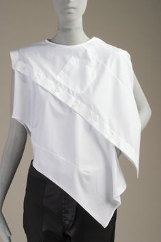 Blouse | Maison Martin Margiela | Belgium, Spring/Summer 2005 | Cotton plain weave | Los Angeles County Museum of Art, LACMA