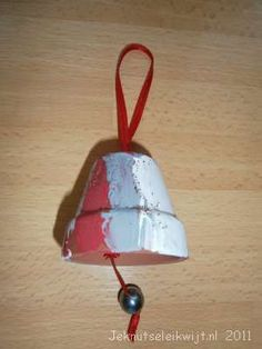 Kids Christmas, Christmas Crafts, Xmas, Crafts For Kids, Diy Crafts, Clay Pots, Decorative Bells, Creative, Outdoor Decor