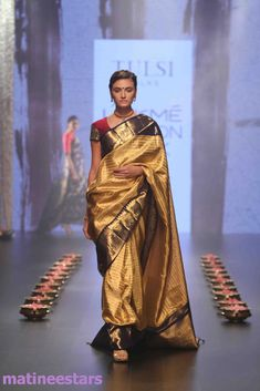 Models Walks For Santosh Parekh At Lakme Fashion Week Winter Festive 2016 - Hot Models Photo Gallery - High Resolution Pictures 15