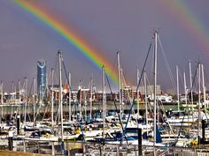 Here are some great pictures of rainbows! How I wish I'd spotted them!!