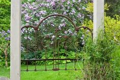 Here are some great up-cycled backyard gates! Anyone who is handy can accomplish these garden gate ideas. Backyard Gates, Pergola Patio, Garden Gates, Iron Pergola, Pergola Ideas, White Pergola, Pergola Plans, Garden Sheds, Pergola Kits