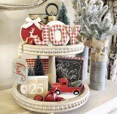 Farmhouse Christmas Decor, Christmas Kitchen, Rustic Christmas, Christmas Holidays, Christmas Boxes, Farmhouse Decor, Christmas Crafts, Christmas Hot Chocolate, Christmas Table Decorations