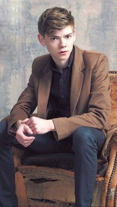 Thomas Brodie-Sangster as Remus Lupin Maze Runner Funny, Maze Runner Thomas, Maze Runner Cast, Maze Runner Movie, Maze Runner Series, Thomas Brodie Sangster, Dylan Thomas, Dylan O'brien, British Boys