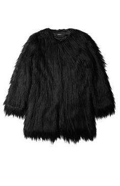 the faux fur | Stylista.no #fauxfur #faux #fur #fuskepels #jakke #pelsjakke #mote #shopping #nettshopping  Mer mote på/ More fashion at  http://www.stylista.no
