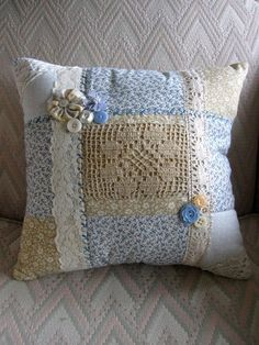 Something Special: Other Shabby French Pillows sew einfach clothes crafts for beginners ideas projects room Applique Pillows, Sewing Pillows, Diy Pillows, Decorative Pillows, Wool Applique, Doilies Crafts, Fabric Crafts, Sewing Crafts, Sewing Projects