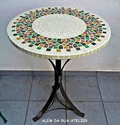 Mosaic Tile Table, Mosaic Coffee Table, Mosaic Tile Art, Mosaic Tile Designs, Tile Tables, Mosaic Pots, Mosaic Crafts, Mosaic Projects, Mosaic Glass