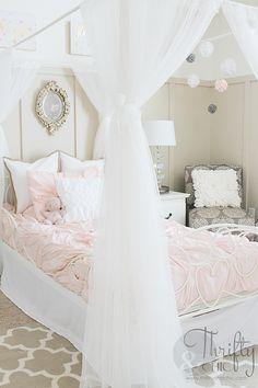 166 best rose gold bedroom images in 2019 Gold Bedroom, Diy Bedroom Decor, Kids Bedroom, Home Decor, Bedroom Ideas, Bedroom Designs, Teenage Girl Bedrooms, Bedroom Images, Little Girl Rooms
