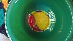 EL COLOR DEL AÑO 2013  Según PANTONE el color del año 2013 es el verde esmeralda. El verde esmeralda es el color de la elegancia y...