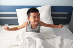 #bedwetting is very common in childhood and a habit many kids will grow out of as they age. We asked pediatrician, Dr. Lena Van der list shares some causes, strategies and solutions that can help families beat the bedwetting blues: #pottytrainingtips #advice #bedtime Healthy Sleep, Healthy Kids, Sleep Studies, New Sibling, Bed Wetting, American Academy Of Pediatrics, Bedtime Routine, Good Sleep, Parenting Hacks