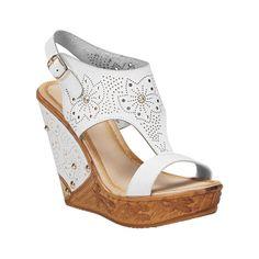 #VERANO - La plataforma cuña es la más cómoda que existe. El diseño de esta sandalia te permite usarla como complemento de un atuendo casual