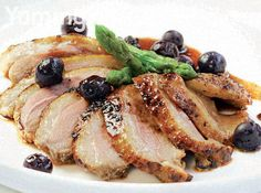 Duck Breast with Honey-Blueberry Sauce