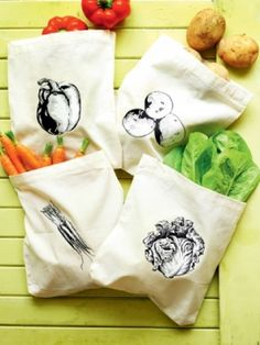 You've ditched the plastic shopping bags - now complete the plastic-free grocery shop with this set of reusable vegetable bags! Check out our website to see how!