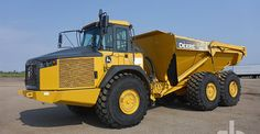 John Deere articulated dump truck sold at Ritchie Bros.