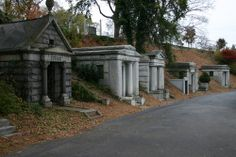hollywood cemetery richmond va | Picture - Crypts at Hollywood Cemetery in Richmond.