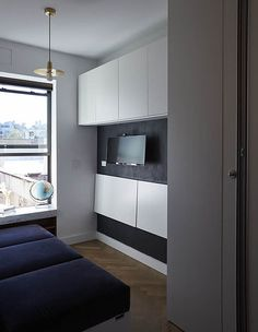Tiny 350 Square Foot Smart Apartment In New York City Studio Apartment Bed, Micro Apartment, Interior Decorating, Interior Design, Square Feet, Interior Architecture, Cottage, Ceiling Lights, City