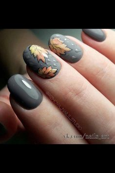 Having short nails is extremely practical. The problem is so many nail art and manicure designs that you'll find online Autumn Nails, Fall Nail Art, Fall Nail Colors, Seasonal Nails, Holiday Nails, Cute Nails, Pretty Nails, Fingernail Designs, Thanksgiving Nails