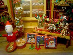 25 de Diciembre... es Navidad!!!!   Mi tienda de chuches se viste de Navidad.     La magia de Papá Nöel amanece en mi tienda de golosinas. ...