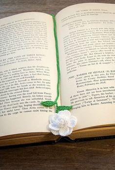 Crochet flower bookmark.